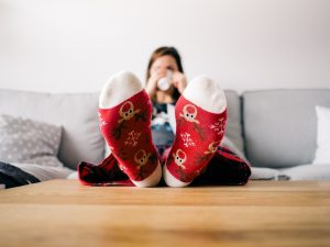 christmas-couch-feet-85842