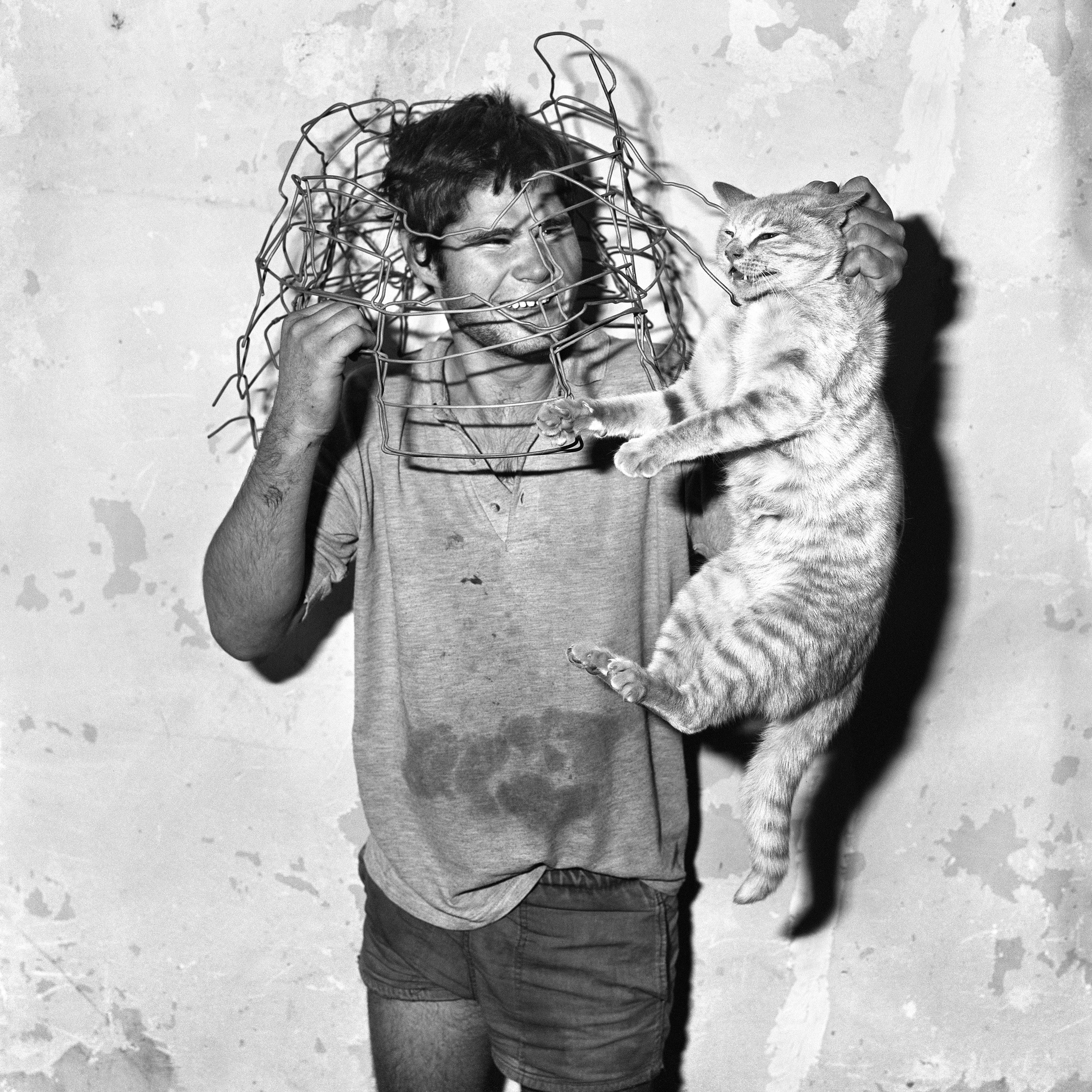 02_3_roger-ballen_cat-catcher-1998