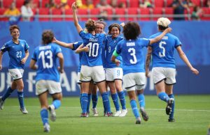 epa07636818 Italian players celebrate after the FIFA Women's World Cup 2019 Group C soccer match between Australia and Italy in Valenciennes, France, 09 June 2019. EPA/TOLGA BOZOGLU