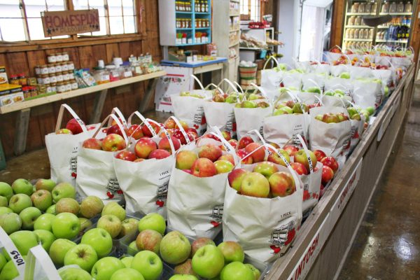 photo-of-apples-in-supermarket-1831825